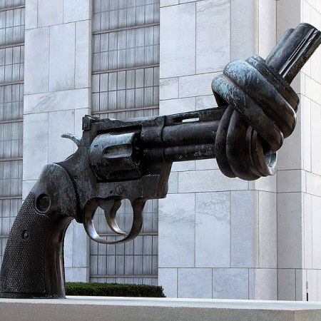 """The Knotted Gun"" by Carl Fredrik Reuterswärd - Turtle Bay, New York, USA"