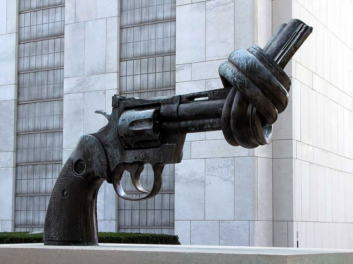 """Non-Violence"" (aka ""The Knotted Gun"") by Carl Fredrik Reuterswärd - Turtle Bay, New York, USA"