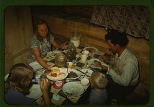 Il pasto di una famiglia in New Mexico, 1940