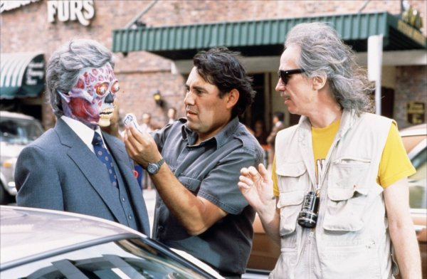 Sul set del film They Live (1988) John Carpenter