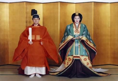 Il trono imperiale del Giappone è la più antica famiglia reale ereditaria in tutto il mondo. La casa è stata fondata nel 660 a.C.