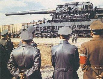 1941 - Schwerer Gustav, un peso di 1.350, è il più grande pezzo di artiglieria mai usato in combattimento
