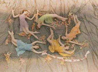 Un gruppo di ballerine si esibisce al Mississippi State College for Women, 1937