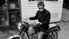 Bob Dylan sulla sua moto