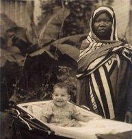 Freddie Mercury con la sua tata, Zanzibar 1947