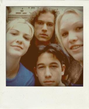 Heath Ledger, Joseph Gordon-Levitt, Julia Stiles, Larisa Oleynik e in una Polaroid, 10 Things I Hate About You