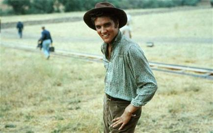 Elvis Presley durante le riprese di Love Me Tender 1956