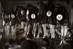 Concorso di belle gambe a Parigi 1936