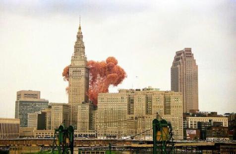 1.500.000 palloncini vengono rilasciati al Cleveland Balloonfest nel 1986
