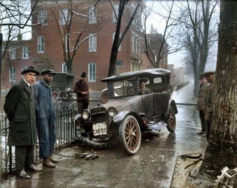 Relitto d'auto a Washington D.C., 1921. Foto dal National Photo Company