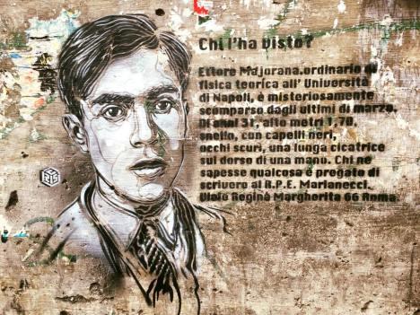 C215 @ Catania - Ritratto di Ettore Majorana (Catania, Sicilia) Ettore Majorana è un eminente fisico, italiano, nato a Catania e conosciuto per il suo lavoro nel campo della fisica delle particelle e la ricerca sulla fissione nucleare, collega Heisenberg, misteriosamente scomparso senza lasciare traccia nel 1938.