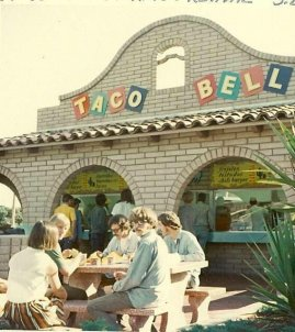 Creedence Clearwater Revival pranzo in un Taco Bell, San Luis Obispo, California, 1968
