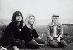 Mick Jagger, Catherine Deneuve e Andy Warhol, Montauk, 1975