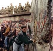 Abbattimento del muro di Berlino 1989