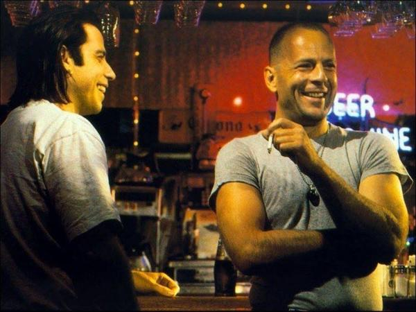 John Travolta e Bruce Willis sul set di Pulp Fiction