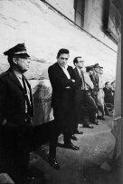 Johnny Cash in attesa di suonare nella prigione di Folsom, 1968