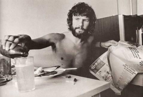 Kris Kristofferson in una stanza d'hotel sul Sunset Boulevard, 1970