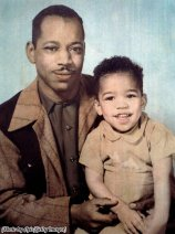 Al Hendrix e suo figlio di 3 anni, Jimi Hendrix, 1945