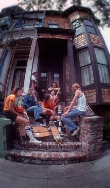 Skateboarder a San Francisco, 1977. Fotografia di Hugh Holland