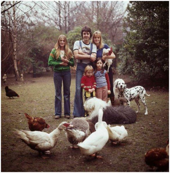 La famiglia McCartney, 1976. Fotografia di David Montgomery