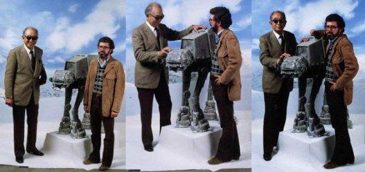 Akira Kurosawa e George Lucas in posa con un Walker sul set di L'Impero colpisce ancora