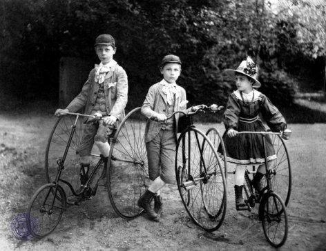 Bambini in bicicletta, 1900