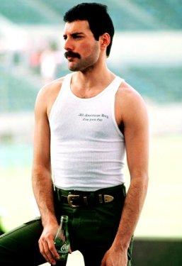 Freddie Mercury durante il Tour dei Queen nel Sud America nel 1981