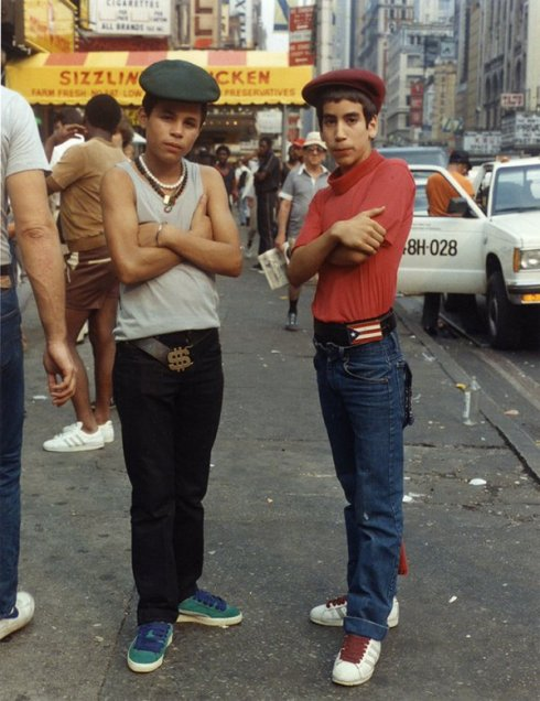 Scena Hip-Hop, New York, 1980s. Fotografia di Jamel Shabazz