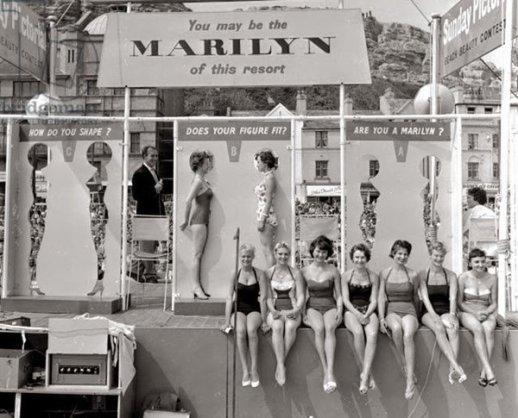 Competizione per portamento simil Marilyn Monroe a Hastings, UK, 1958
