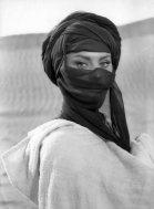 Sophia Loren sul set del film 'Legend of the Lost', Algeria, 1957. Foto di Pierluigi Praturlon