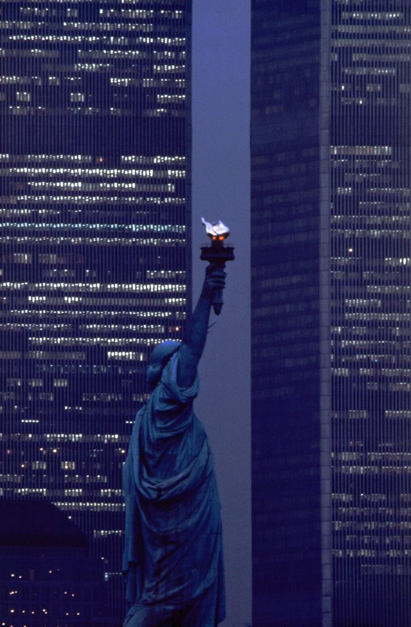 Statua della Libertà e il World Trade Towers 1986