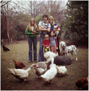 La famiglia McCartney, 1976. Foto di David Montgomery