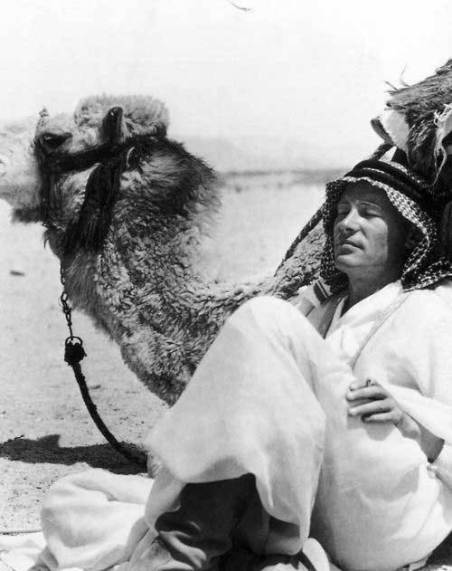 Peter O'Toole sul set di Lawrence d'Arabia
