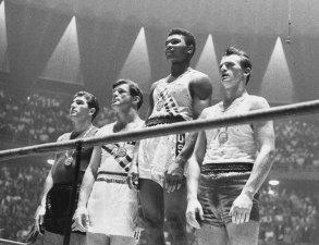 Cassius Clay aveva solo 18 quando vinse l'oro olimpico nel 1960 nella categoria dei pesi massimi leggeri