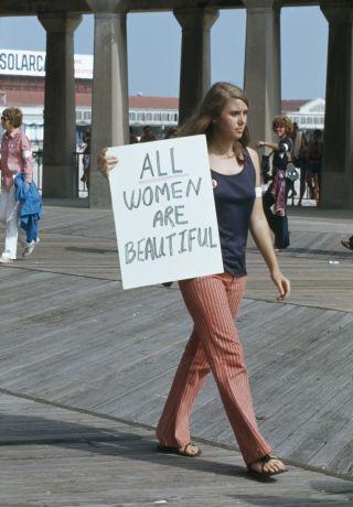 Donna che protesta al concorso di Miss America 1969