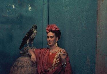 Frida Kahlo e il suo falco domestico, 1939