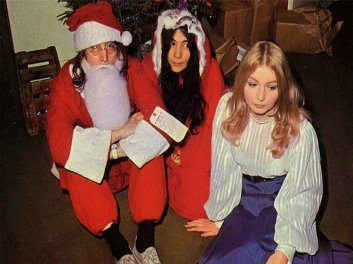 John Lennon, Yoko Ono e Mary Hopkins - Apple Records' - Festa di Natale 1968