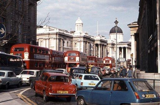 Traffico a Londra, 1975
