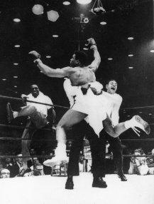 Muhammad Ali batte Liston, 1964