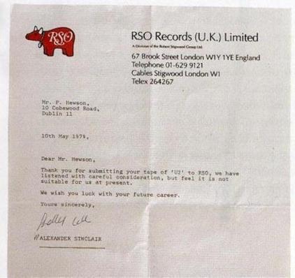 Una lettera di rifiuto al signor P. Hewson (altrimenti noto come Bono) da una casa discografica nel 1979