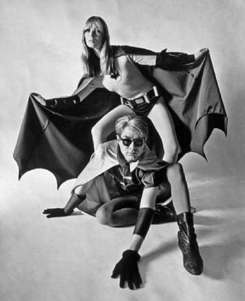 Andy Warhol e Nico come Batman e Robin, 1967