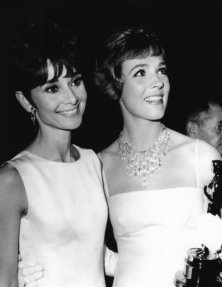 Audrey Hepburn e Julie Andrews, 1965