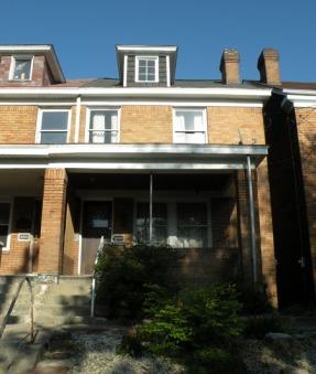 Casa d'infanzia di Warhol. 3252 Dawson Street, in zona South Oakland di Pittsburgh, Pennsylvania