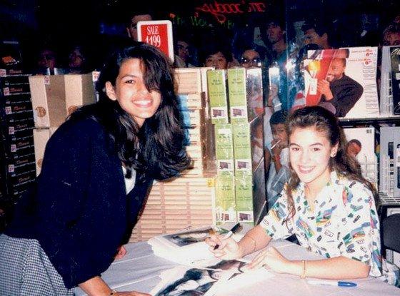 Eva Mendes getting Alyssa Milano's autograph in 1989