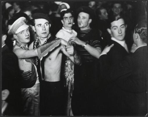 Gay party in un club di Berlino - c. 1930
