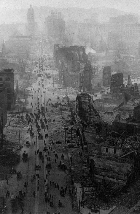 Market Street, San Francisco dopo il terremoto, 1906. Fotografia di H.C. Bianco Co