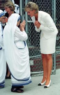 Madre Teresa e la principessa Diana, New York, 1997. Fotografia di Anwar Hussain