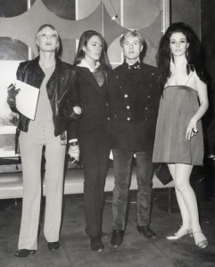 Nico, Mary Woronov, Andy Warhol e Susan Bottomly
