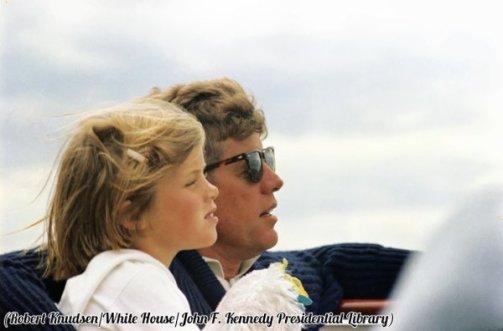 Il presidente Kennedy e la figlia Caroline in giro nello Yacht presidenziale, 1963