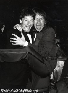 Robin Williams e John Ritter, 1979